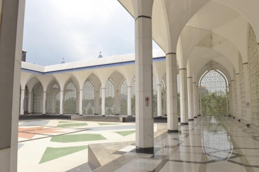 مسجد السلطان صلاح الدين شاه علم سيلانجور بماليزيا
