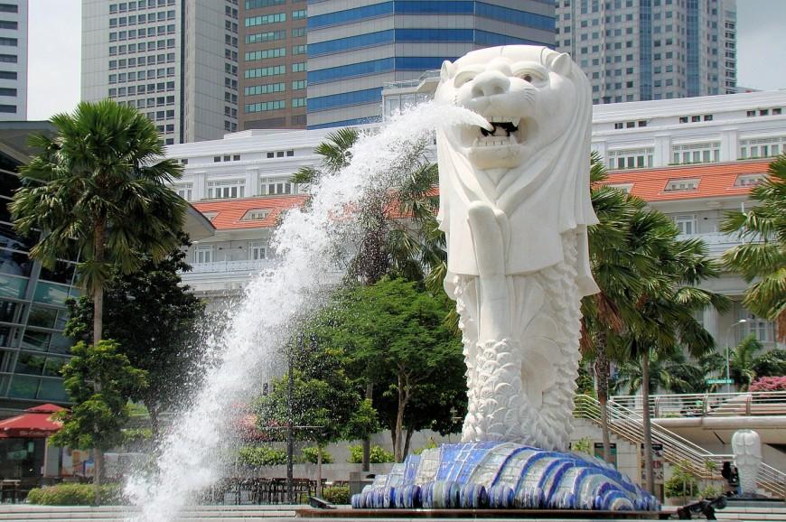 تمثال الأسد سنغافورة