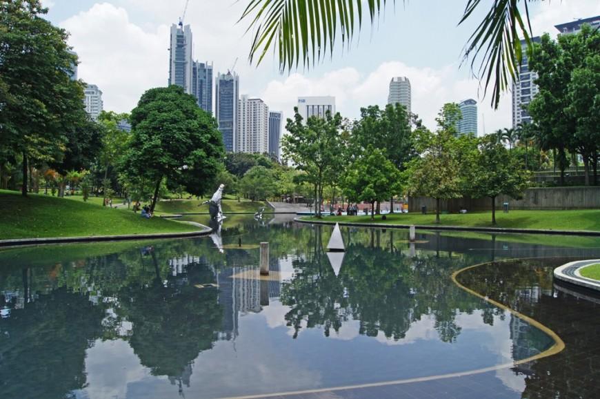 حديقة البرجين التؤام كوالالمبور بماليزيا