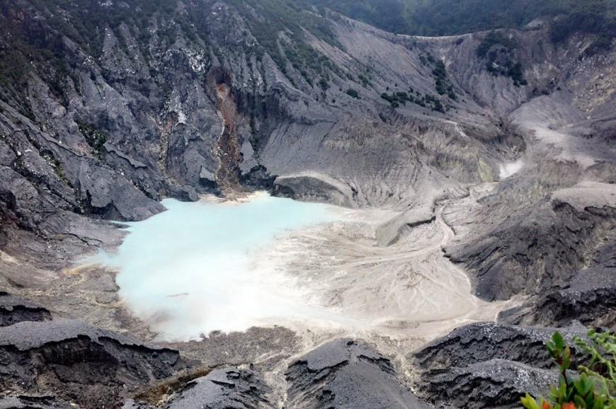 بركان تانكوبان باندونق اندونيسيا