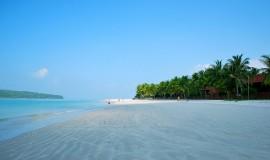 شاطئ سينانغ في لنكاوي بماليزيا