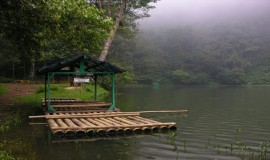 البحيرة الملونة بونشاك اندونيسيا