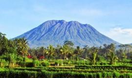 جبل آغونغ بالي اندونيسيا