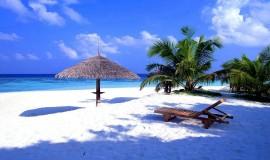 شاطئ سيمنياك بالي اندونيسيا