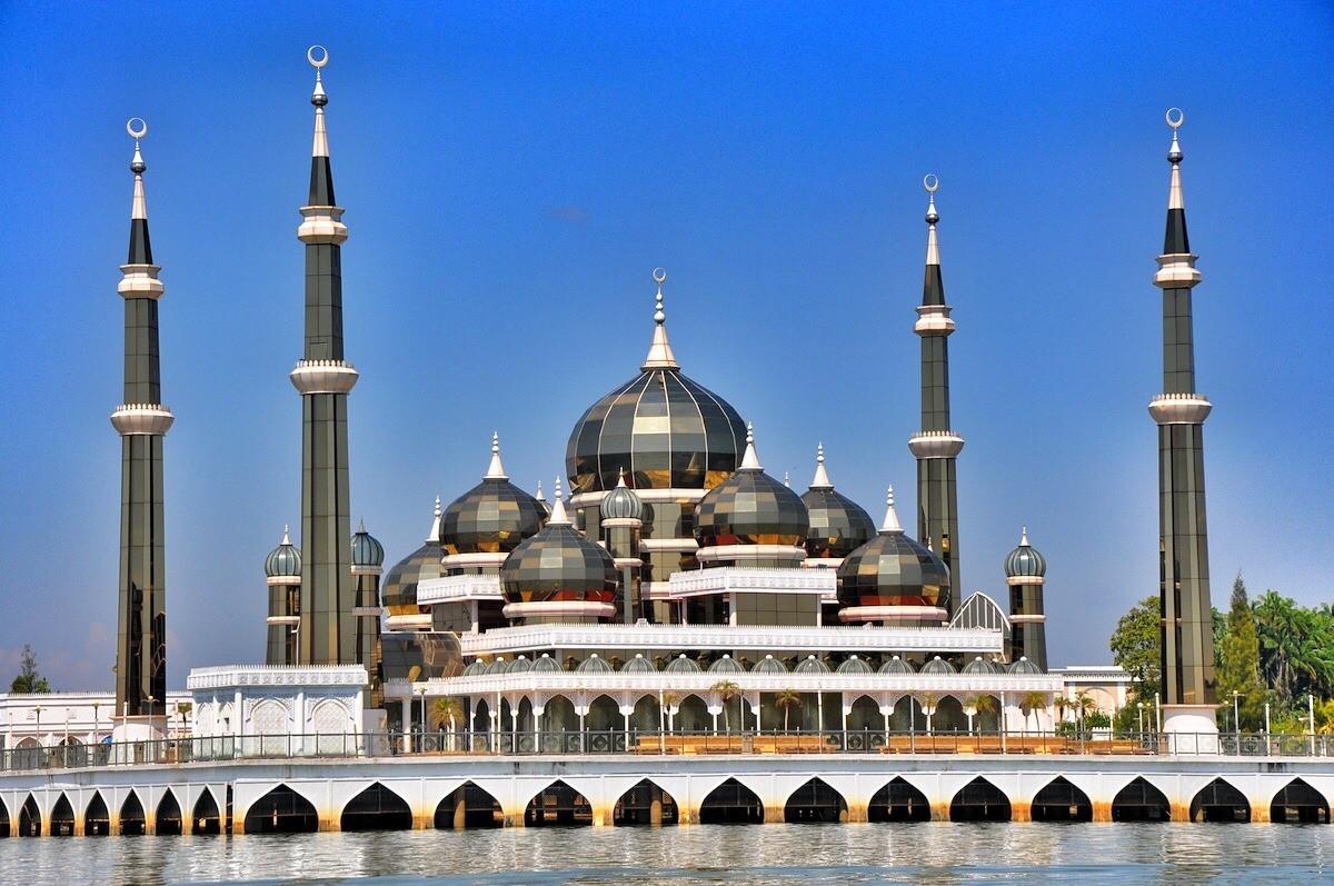 المسجد الكرستال في ماليزيا